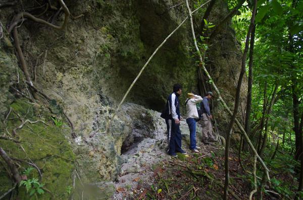 ペリリュー島、中川大佐自決の地