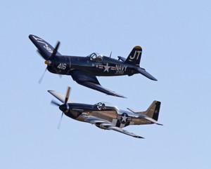 P-51とコルセア