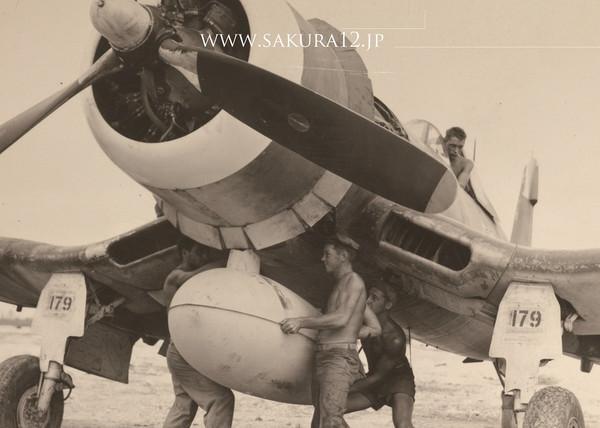 F4Uコルセア戦闘爆撃機